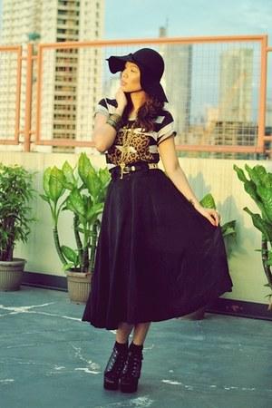 black from bangkok hat - Zara top - Vesace belt - black vintage skirt - black So
