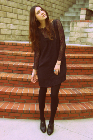 black graham and spencer dress - black vintage top - black banana republic shoes