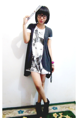 white Rodeo dress - gray 61 cardigan - black bloopendorse boots - black RBspace