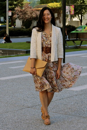 light brown vintage dress - eggshell abercrombie and fitch blazer