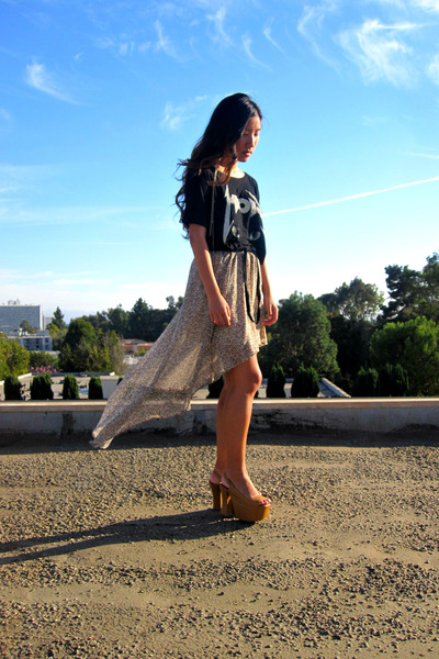 dark khaki skirt - black UNIF top - brown big girl Jeffrey Campbell heels