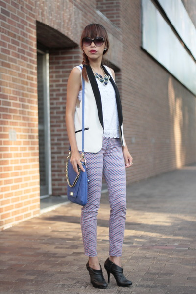 Forever21 vest - Guess boots - abercrombie and fitch top