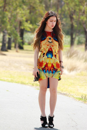 yellow velvet Fame Agenda dress - black skull Choies bag