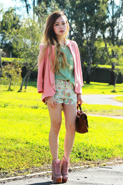 peach Forcast blazer - cream Fascue shorts