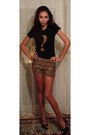 Gold-with-sparkles-random-shorts-black-random-t-shirt