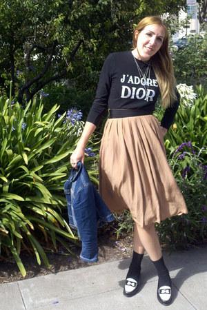 neutral skirt - black dior top - black loafers