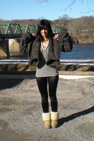 Brown Hnm Coats Black Mandees Leggings Beige Ugg Boots Gray Forever 21 Shirs | u0026quot;Crowded ...