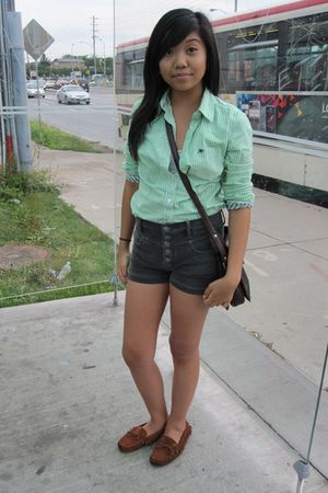 green Aeropostale blouse - gray abercrombie and fitch shorts - brown bearpaw sho