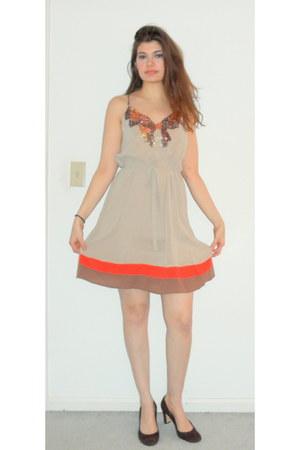 tan sequin top Soie Shop dress - dark brown Van Eli heels