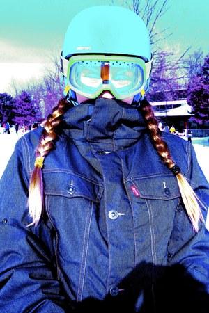 686 Levis jacket - SPY accessories - Burton accessories