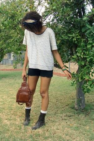 thrifted shirt - vintage scarf - vintage bag - Old Navy shorts