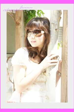 Vivi Cam dress - Chanel lambskin 255 purse - Beverly Fledman shoes - Chanel sung