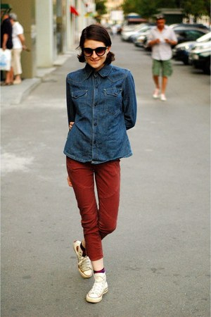 blue Levis shirt - brick red Mango pants - beige Converse sneakers