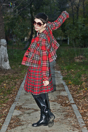 red checkered Motivi blazer - black thrifted vintage boots