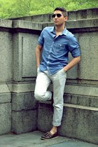 sky blue H&M shirt - beige Topman pants - dark brown sperry topsider loafers