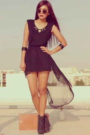 black Romwecom dress - black Forever 21 boots - black H&M bracelet