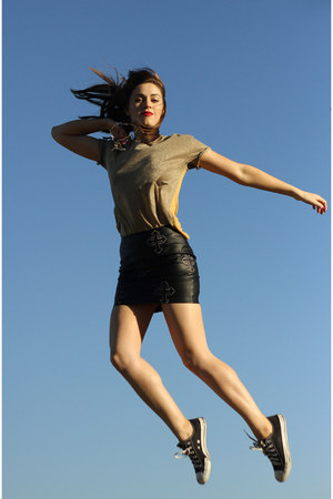 black Converse sneakers - gold Gorman t-shirt - black leather asos skirt