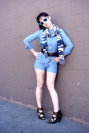 blue free people shorts - blue Tolani scarf - blue rayban sunglasses - brown Tal