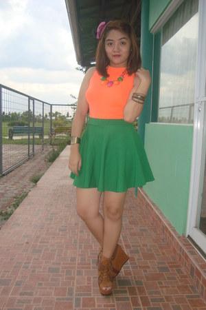 green skater skirt skirt - brown primadonna wedges - orange tomato top