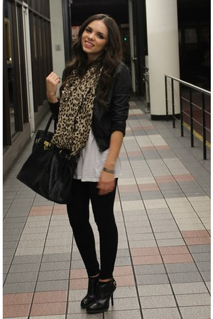 brown leopard Forever 21 scarf - black ankle Dr Martens shoes