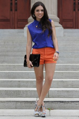white pink and pepper heels - black jill milan bag - orange Zara shorts