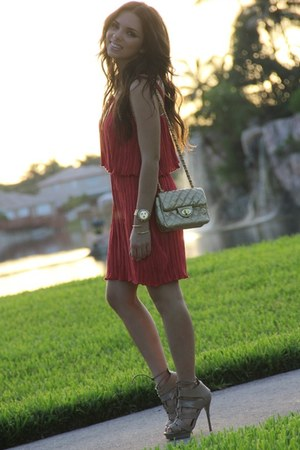 tan Shoedazzle shoes - salmon Forever 21 dress - gold Mimi Boutique bag