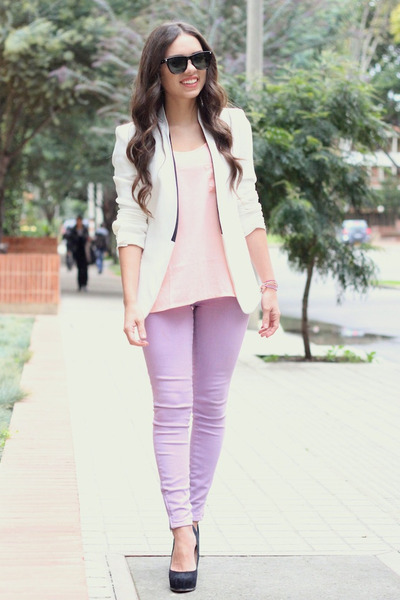 periwinkle Lamb and Flag jeans - ivory Zara blazer - black furor moda sunglasses