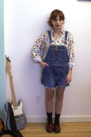 white 90s vintage shirt - crimson Dr Martens boots