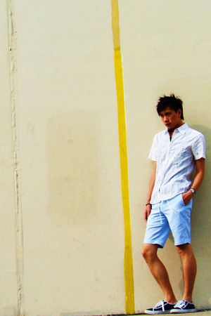 white Never Seen Thing shirt - blue Uniqlo shorts - blue Zara shoes - silver Tit