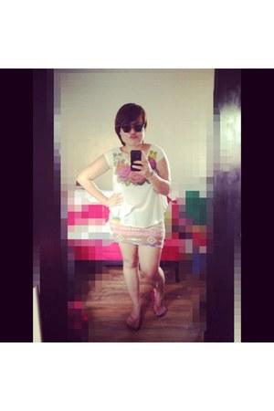 neutral Greenhills blouse - black Aldo sunglasses - hot pink smx expo skirt