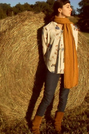 gold scarf - beige shirt - blue jeans - brown boots