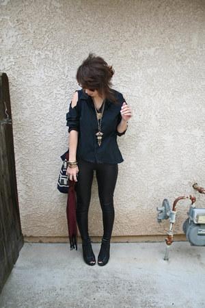 black Express shirt - black snakeskin Claires tights
