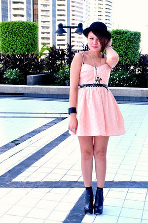 peach eyelet Topshop dress - black Topshop shoes - black bowler hat h&m divided