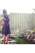 red H&M belt - navy polka-dot Forever 21 dress