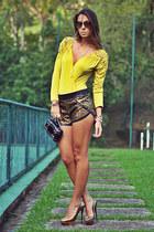 Chiclet Store shorts - Chiclet Store bodysuit - Schutz heels