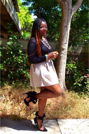 black crop top H&M top - beige Love Culture skirt