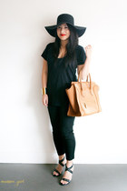 black floppy American Apparel hat - camel mini luggage Celine bag - black tee Fr