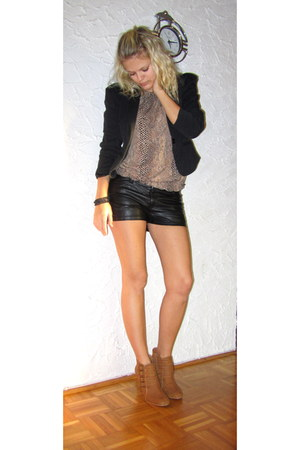 tawny Primark shoes - black Ann Christine blazer - black H&M shorts