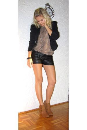 tawny Primark shoes - black Ann Christine blazer - black H&M shorts
