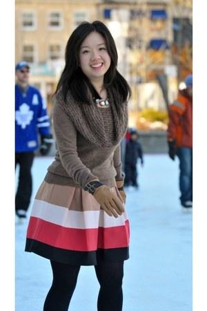 salmon pleated Zara skirt - light brown cowl neck Esprit sweater