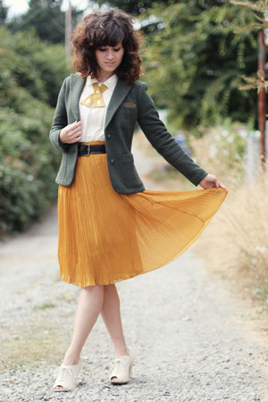 mustard Ruche skirt - army green modcloth blazer - ivory seychelles heels