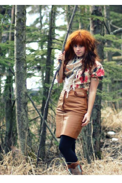 pink modcloth dress - brown vintage skirt - black Forever 21 leggings - brown Mi