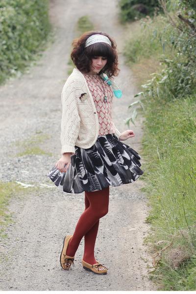 alainn bella top - Minnetonka shoes - modcloth dress - Target tights