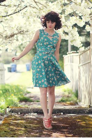 modcloth dress - modcloth wedges