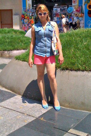 hot pink H&M shorts - white bag - neutral sunglasses - sky blue vest
