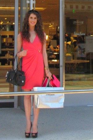 Cache dress - Chanel bag - classic black Prada sunglasses