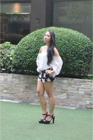 floral Forever 21 shorts - off shoulder Ombre Manila top - suede Brash heels