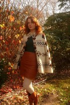 ivory vintage cape - tawny vintage boots - ivory Sock Dreams tights