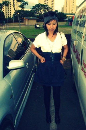 Hanes t-shirt - Guess skirt - Forever21 shoes