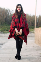 COZY CAPE & { A WINTER WALK @ THE BEACH }